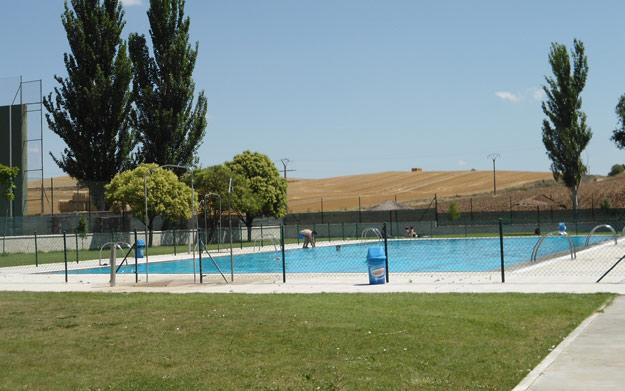Entrada piscina men con bebida por 4 3 oferta con for Entrada piscina