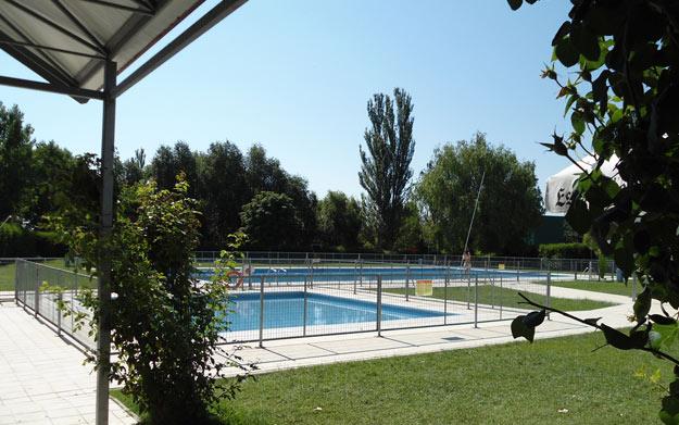 Entrada piscina men con bebida por oferta con for Entrada piscina