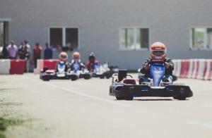 Vive una emocionante tanda de Karting
