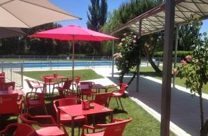Entrada piscina + menú con bebida