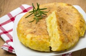 Deliciosa tortilla de patata+2 refrescos